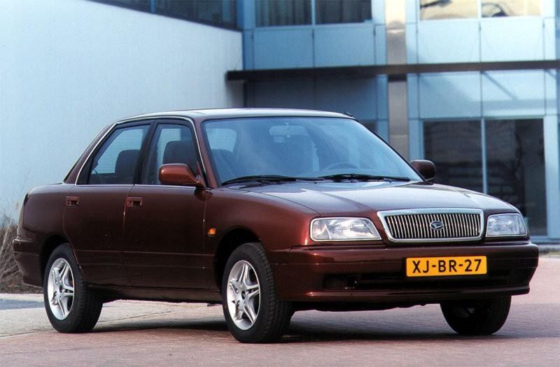 Daihatsu Applause хетчбэк, 1997–2000, 1 поколение [2-й рестайлинг] - отзывы, фото и характеристики на Car.ru