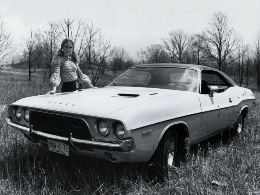 Dodge Challenger хардтоп, 1972, 1 поколение [2-й рестайлинг] - отзывы, фото и характеристики на Car.ru