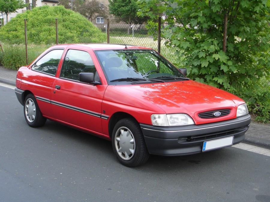 Ford Escort хетчбэк 3-дв., 1992–1995, 5 поколение [рестайлинг] - отзывы, фото и характеристики на Car.ru
