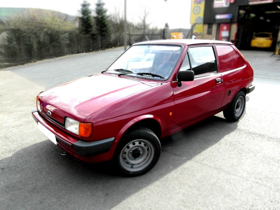 Ford Fiesta Van фургон, 1983–1989, 2 поколение - отзывы, фото и характеристики на Car.ru