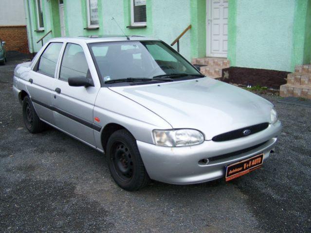 Ford Escort седан, 1995–2000, 6 поколение - отзывы, фото и характеристики на Car.ru