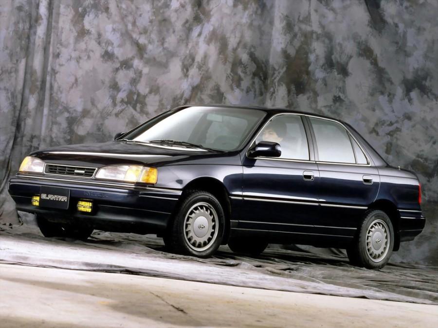 Hyundai Elantra седан, 1990–1993, J1 - отзывы, фото и характеристики на Car.ru