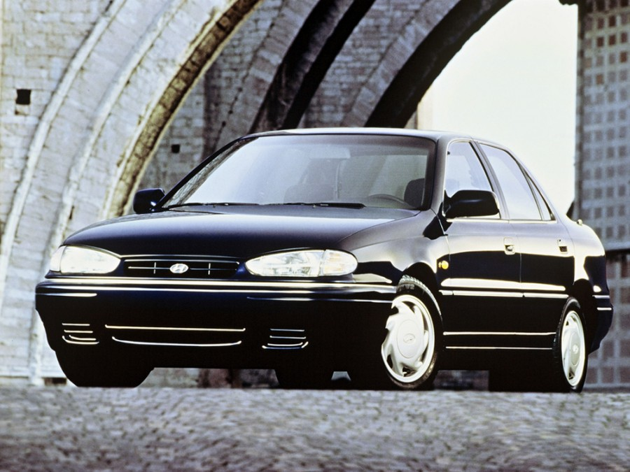 Hyundai Elantra седан, 1993–1995, J1 [рестайлинг] - отзывы, фото и характеристики на Car.ru