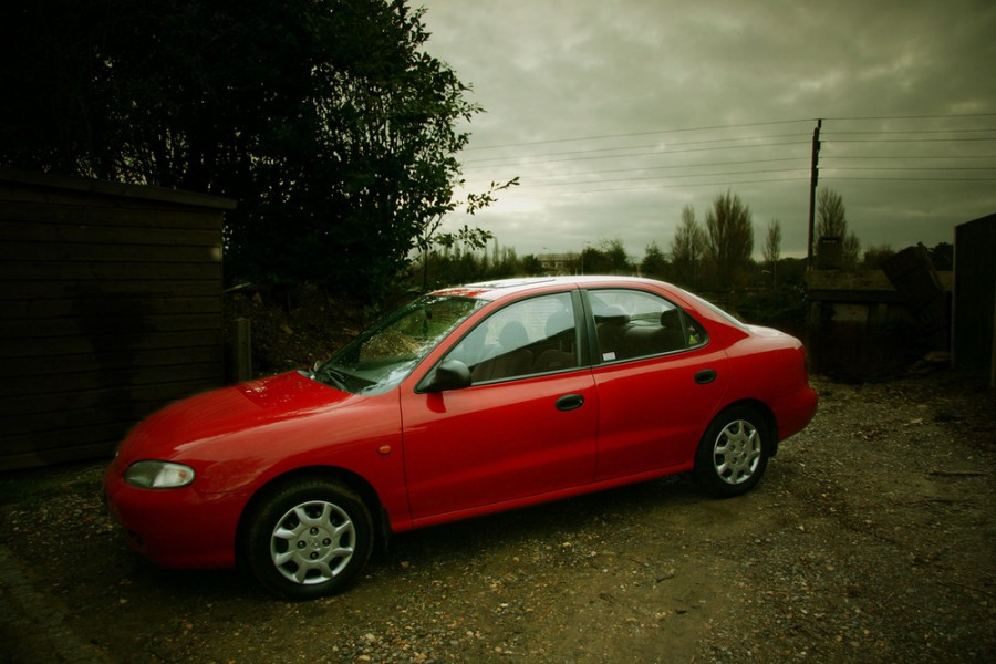 Hyundai Lantra седан, 1995–1998, J2 - отзывы, фото и характеристики на Car.ru