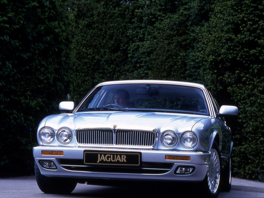 Jaguar XJ X305 седан, 1994–1997, X300 - отзывы, фото и характеристики на Car.ru