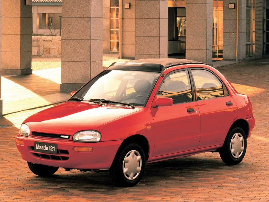 Mazda 121 седан, 1990–1996, 2 поколение - отзывы, фото и характеристики на Car.ru