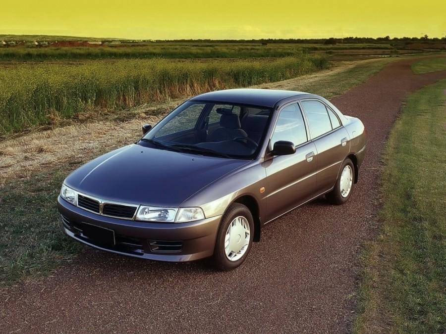 Mitsubishi Lancer седан, 1997–2000, 5 поколение [рестайлинг] - отзывы, фото и характеристики на Car.ru