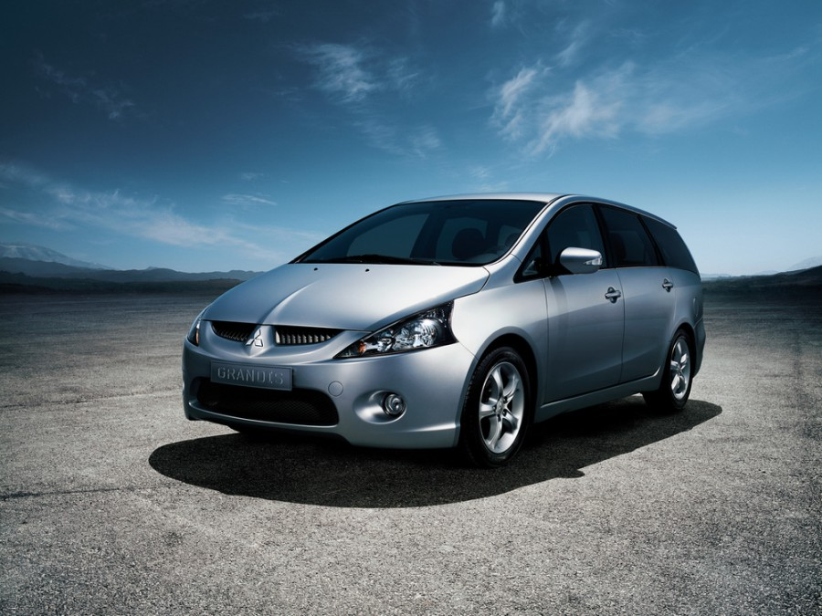 Mitsubishi Grandis минивэн, 2003–2011, 1 поколение - отзывы, фото и характеристики на Car.ru