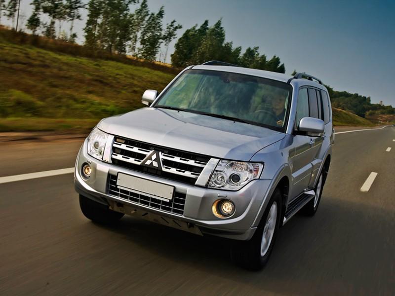 Mitsubishi Montero внедорожник 5-дв., 2006–2016, 4 поколение - отзывы, фото и характеристики на Car.ru