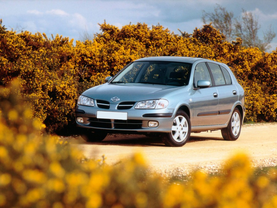 Nissan Almera хетчбэк 5-дв., 2000–2006, N16 - отзывы, фото и характеристики на Car.ru
