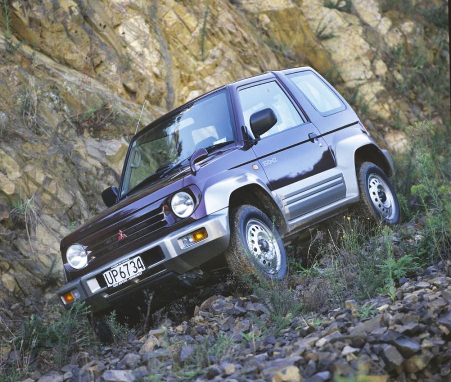 Mitsubishi Pajero Junior внедорожник, 1995–1998, 1 поколение - отзывы, фото и характеристики на Car.ru