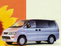 Mitsubishi Space Gear, 1 поколение [рестайлинг], Минивэн, 1997–2007