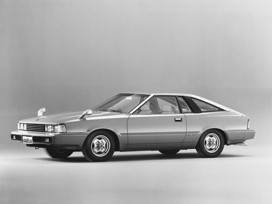 Nissan Gazelle лифтбэк, 1979–1983, S110 - отзывы, фото и характеристики на Car.ru