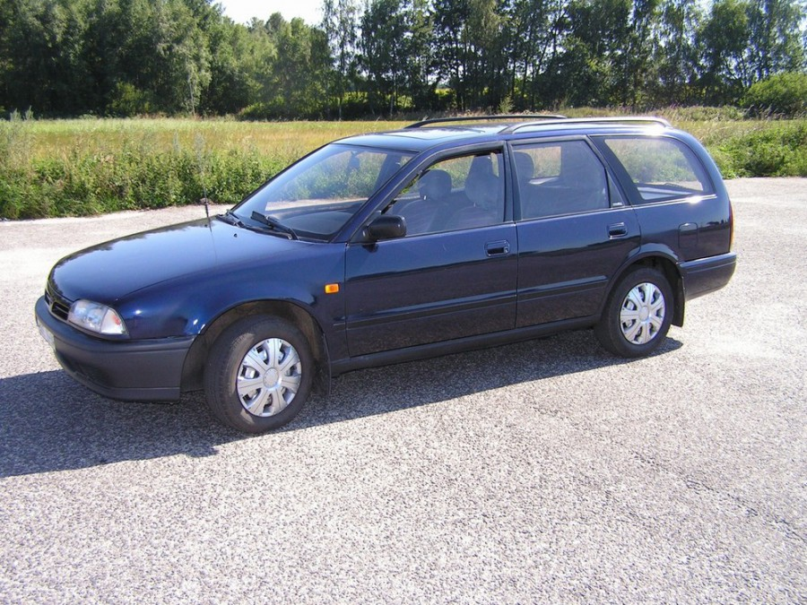 Nissan Primera универсал, 1990–1997, P10 - отзывы, фото и характеристики на Car.ru