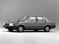 Nissan Stanza, T11, Седан, 1982–1986