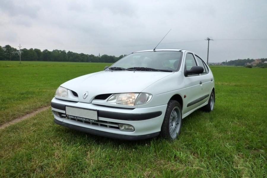 Renault Megane хетчбэк, 1995–1999, 1 поколение - отзывы, фото и характеристики на Car.ru