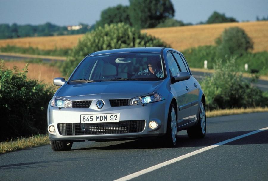 Renault Megane RS хетчбэк 5-дв., 2002–2006, 2 поколение - отзывы, фото и характеристики на Car.ru
