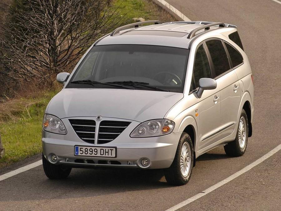 Ssangyong Rodius минивэн, 2004–2007, 1 поколение - отзывы, фото и характеристики на Car.ru