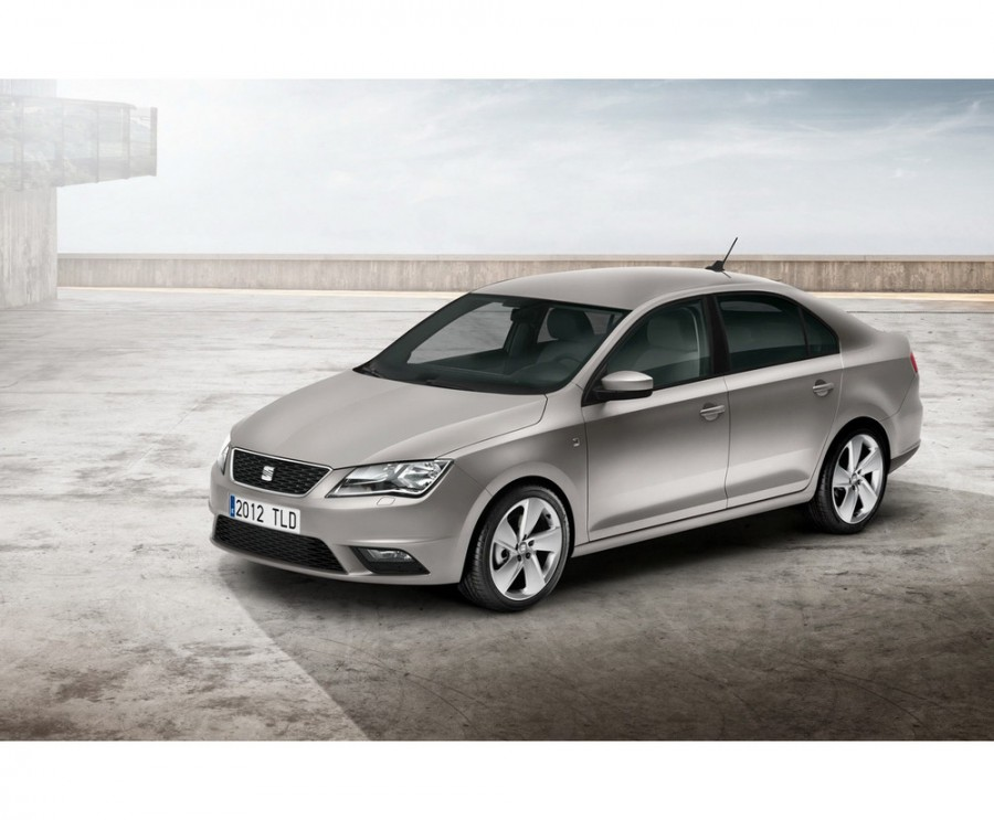 Seat Toledo лифтбэк, 2012–2015, 4 поколение - отзывы, фото и характеристики на Car.ru