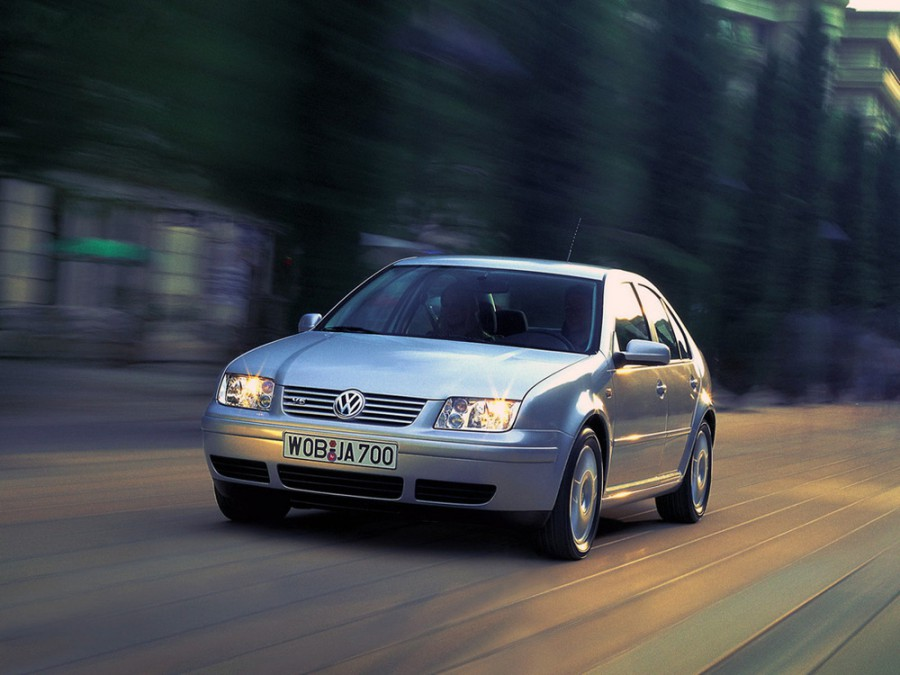 Volkswagen Bora седан, 1998–2005, 1 поколение - отзывы, фото и характеристики на Car.ru