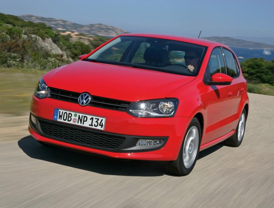 Volkswagen Polo хетчбэк 5-дв., 2009–2015, 5 поколение - отзывы, фото и характеристики на Car.ru