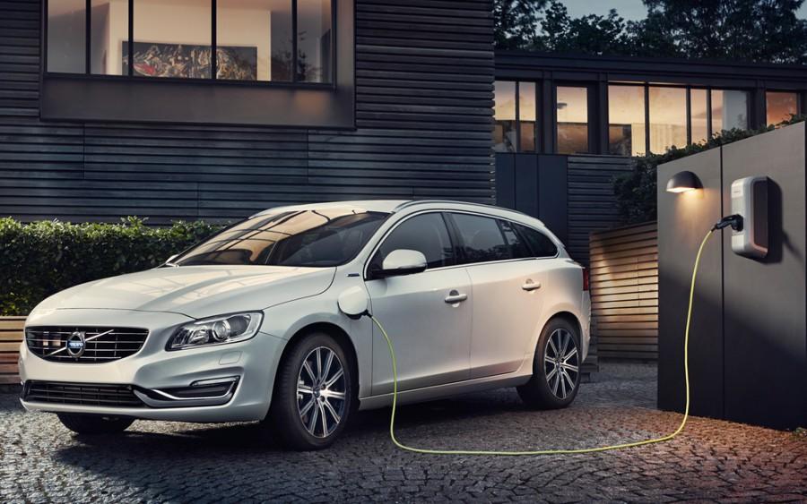 Volvo V60 универсал 5-дв., 2013–2016, 1 поколение [рестайлинг] - отзывы, фото и характеристики на Car.ru