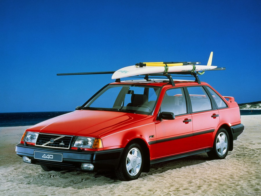 Volvo 440 хетчбэк, 1988–1996, 1 поколение - отзывы, фото и характеристики на Car.ru
