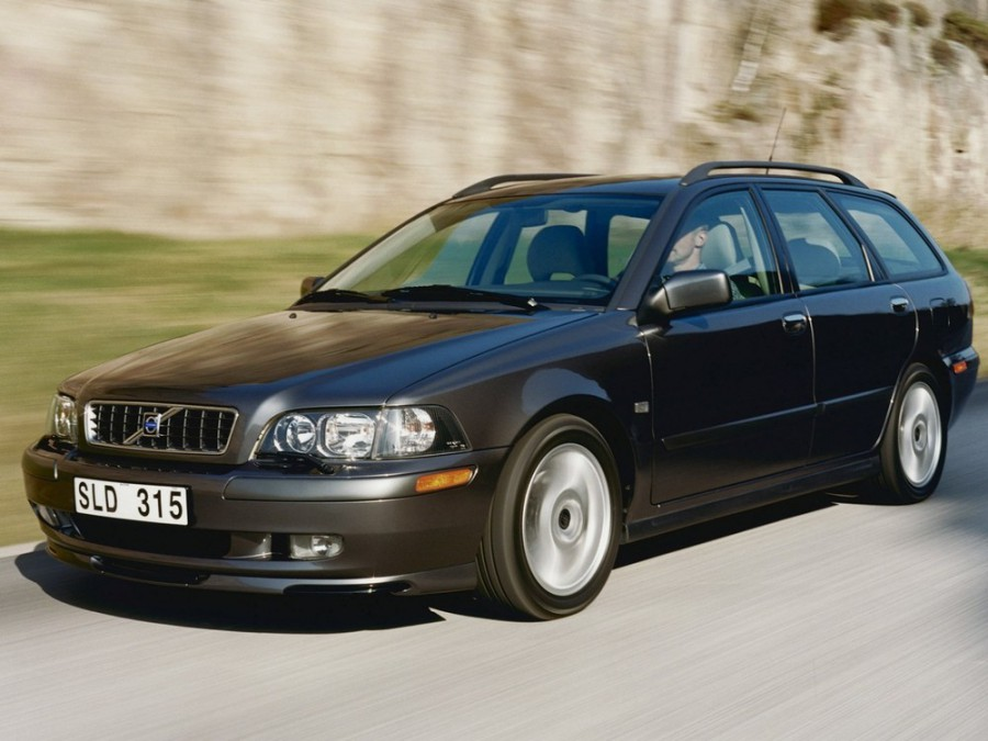 Volvo V40 универсал, 2002–2004, 1 поколение [2-й рестайлинг] - отзывы, фото и характеристики на Car.ru