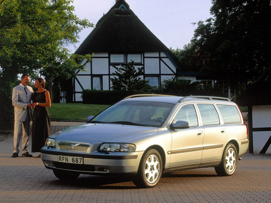 Volvo V70 универсал, 2000–2005, 2 поколение - отзывы, фото и характеристики на Car.ru