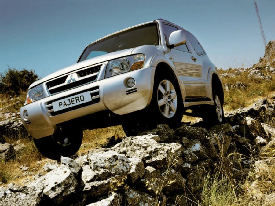 Mitsubishi Pajero внедорожник 3-дв., 2003–2006, 3 поколение [рестайлинг] - отзывы, фото и характеристики на Car.ru