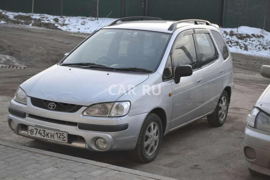 Toyota Corolla Spacio, Артём