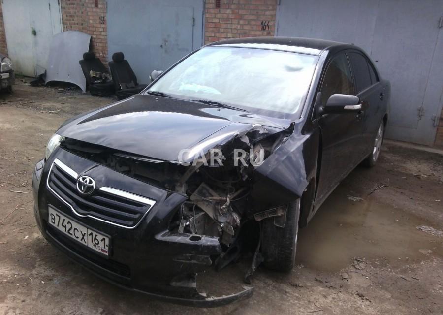 Toyota Avensis, Азов