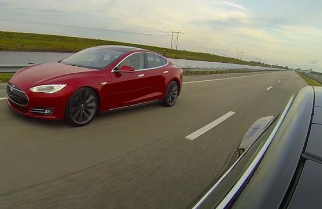 Дрэг-рейсинг электрокаров: Tesla Model S P85D vs. Tesla Model S P85