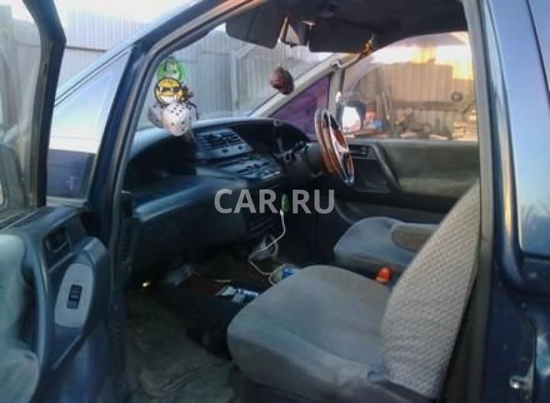 Toyota Estima Lucida, Артём