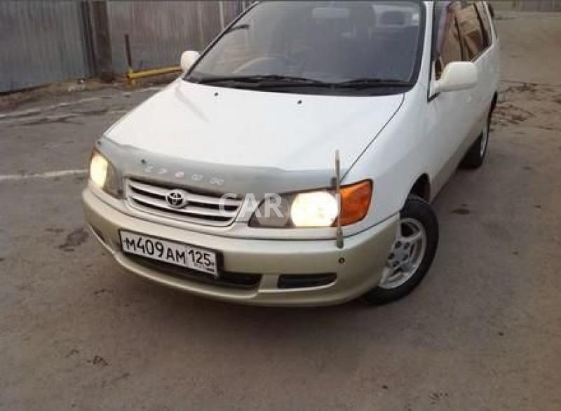 Toyota Ipsum, Артём