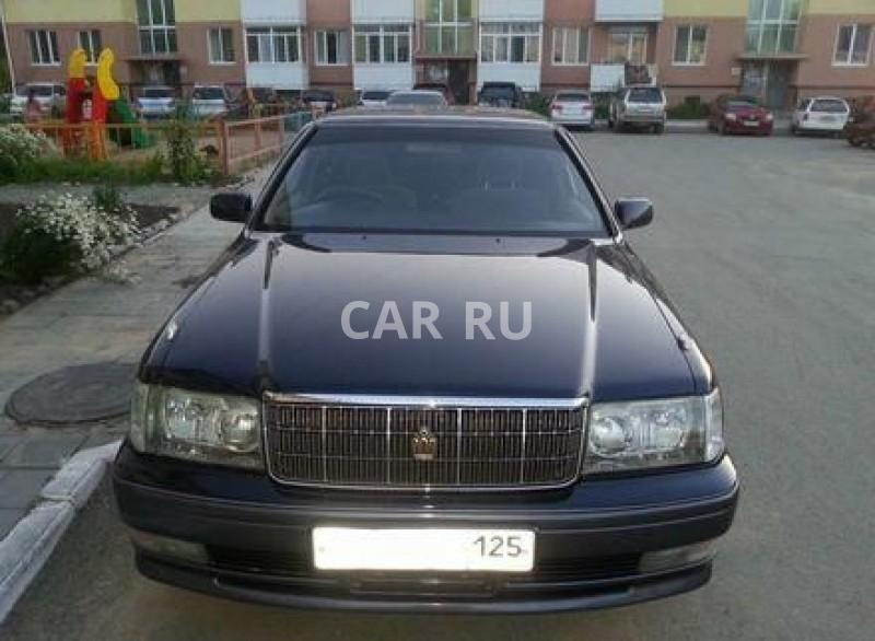 Toyota Crown, Артём