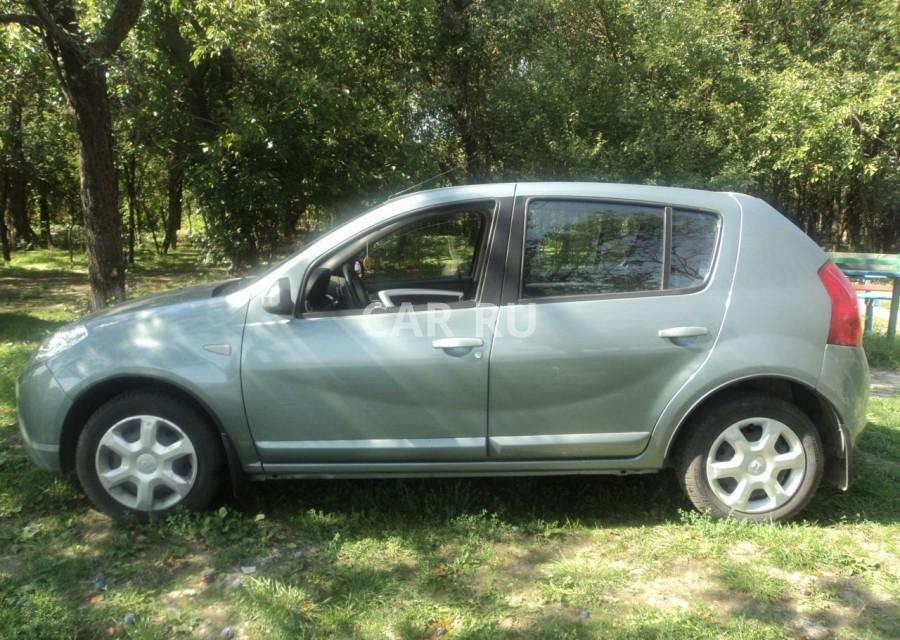 Renault Sandero, Азов