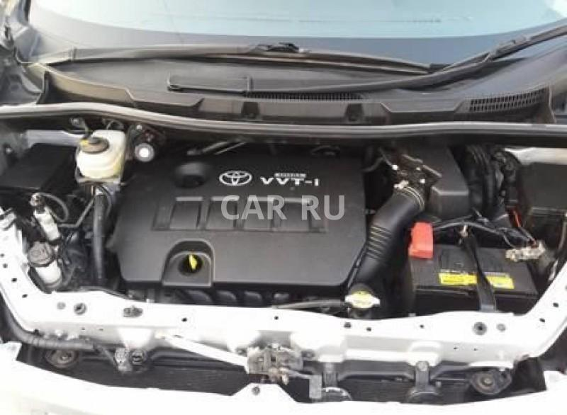 Toyota Voxy, Артём