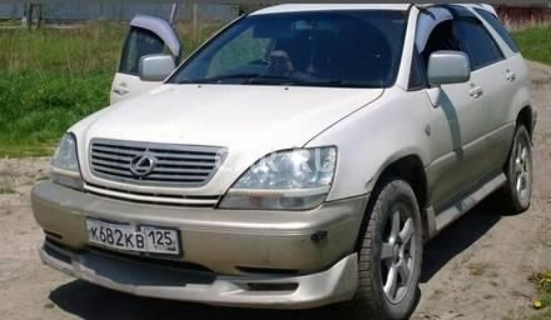 Toyota Harrier, Артём