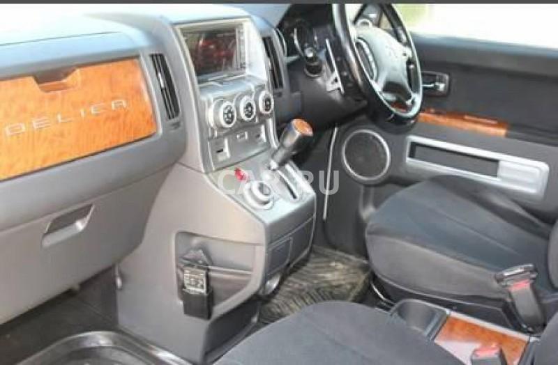Mitsubishi Delica D:5, Артём