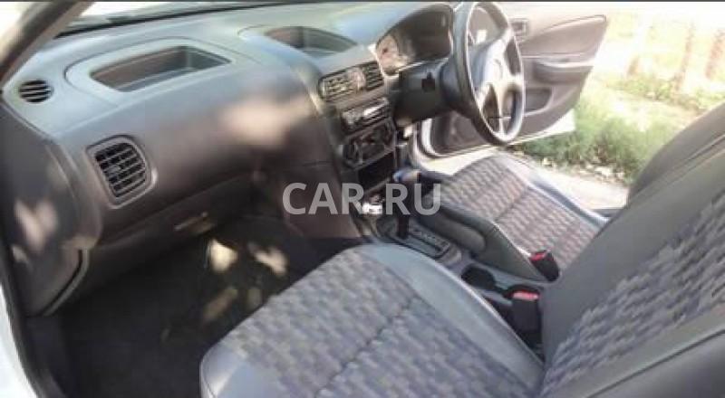 Nissan AD, Азов