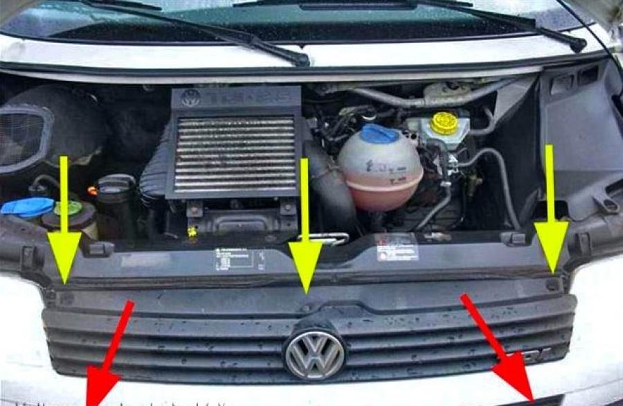 Решётка радиатора VW Transporter 2.5 TDI