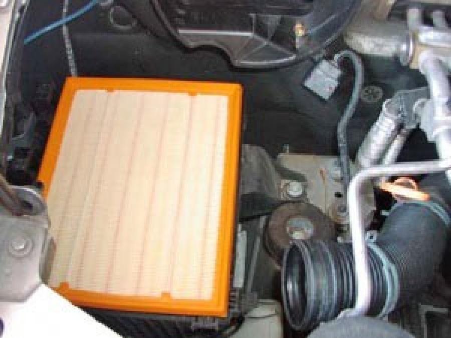 Воздушный фильтр VW Transporter 2.5 TDI