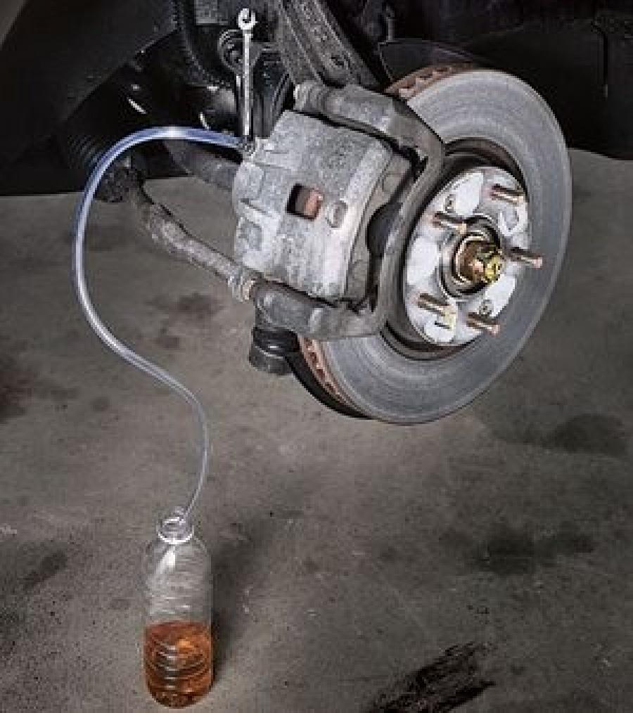 Прокачка тормозной системы с АБС своими руками